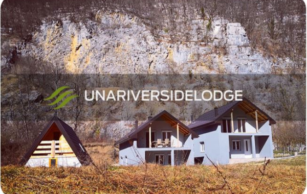 Una Riverside Lodge