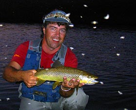 tl_files/ffi/pictures/Dest/USA03/nighttrout.jpg